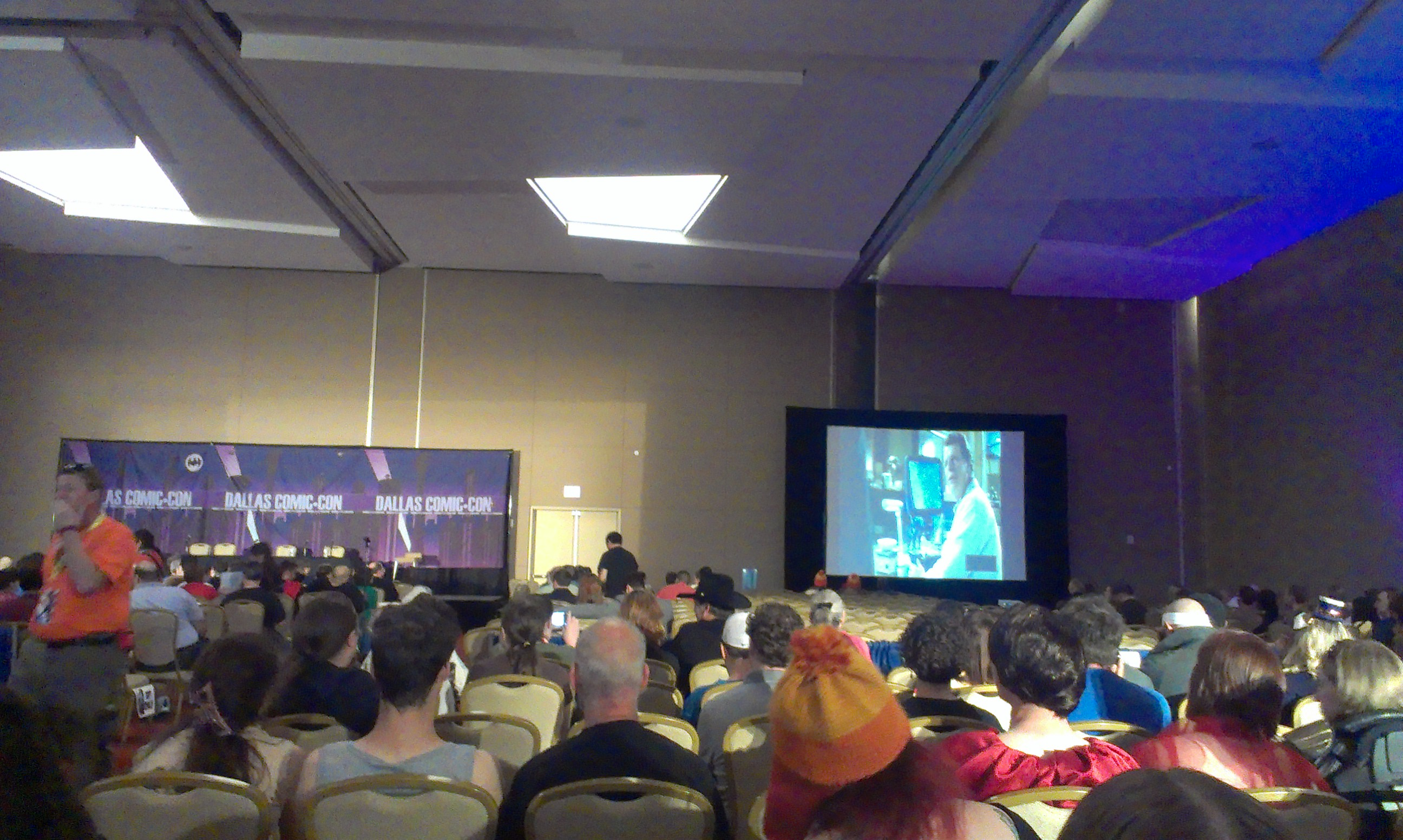 Getting ready for the Fringe panel. They showed a brief Fringe montage before it started.