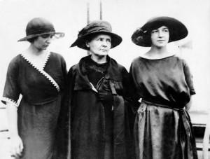 Marie Curie avec ses filles Irene et Eve