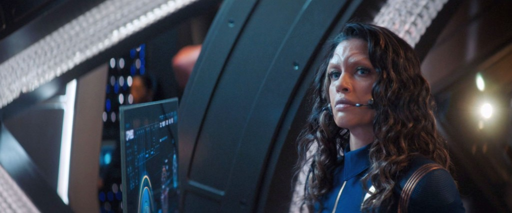 STDP 034 - Star Trek Discovery S2E9 (20:12) - Nhan observing Airiam.