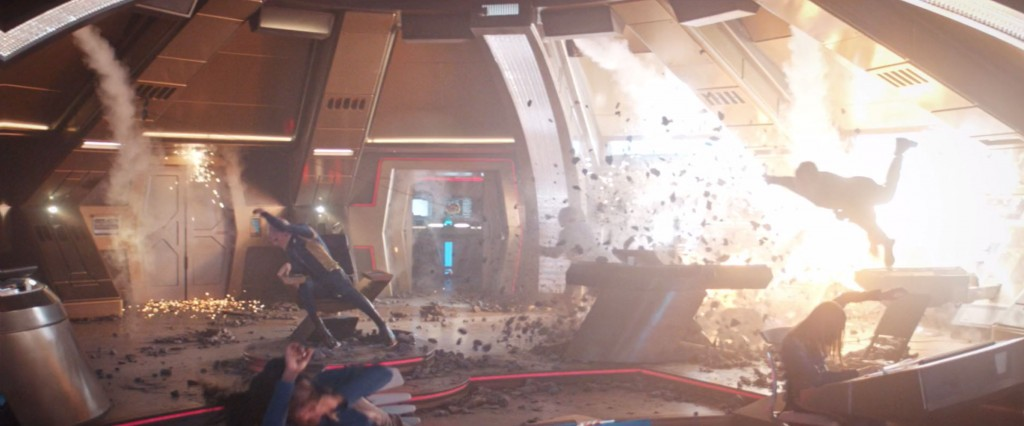 STDP 038 - Star Trek Discovery S2E13 (11:08) - USS Discovery bridge being hit (Michael's vision).