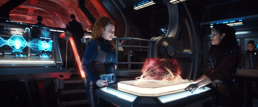 STDP 038 - Star Trek Discovery S2E13 (29:09) - Tilly & Po in Engineering.